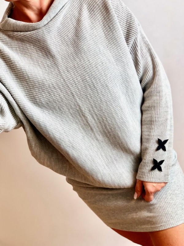 """Sweterek """"Lili"""" szary,khaki,czarny ,róż"""