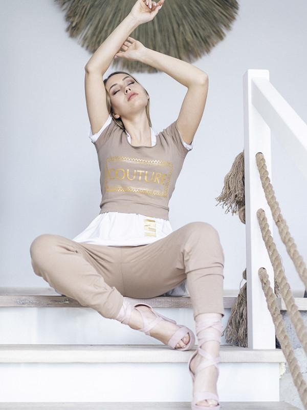 Bluzeczka krótka ze złotym nadrukiem