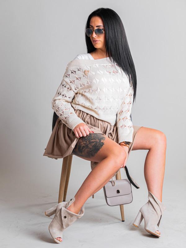 Sweterek krótki z dużymi ażurami
