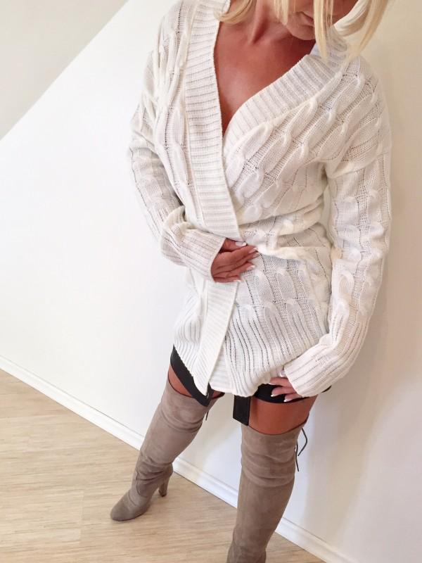 Sweter Rozpinany. Ecru
