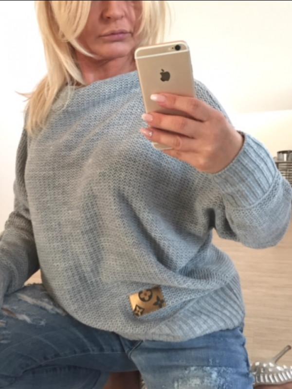 sweter ze skórką VS