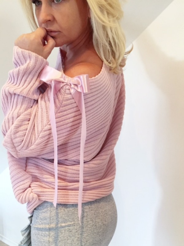 Sweter Prążek z Kokardą