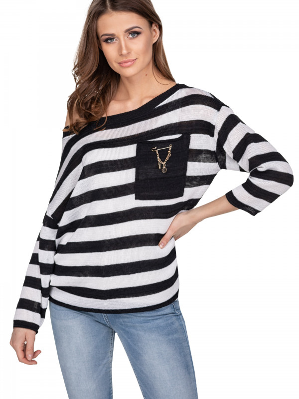 Sweter w paski z kieszonką