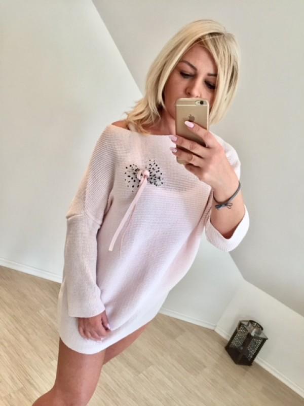 sweterek z kokardkami